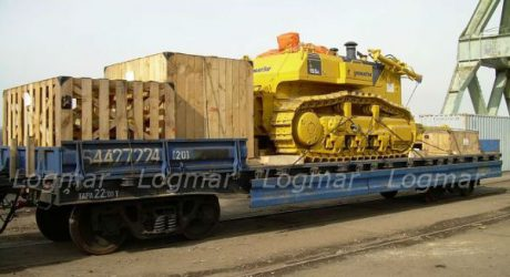 Отправка экскаватора Komatsu D-155А по железной дороге из Красноярска в Карелию